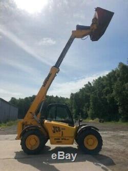 2001 JCB Telehandler 530-70 Loadall with multiple buckets/forks/road brush
