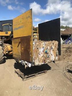 Cascade Bale Clamp. Jcb Telehandler Brackets. Cardboard Waste White Goods Scrap