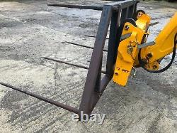 Heavy duty very Large Square And round bale spike with JCB brackets