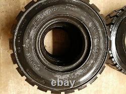 JCB TLT30D REAR TYRES- PAIR 23 x 9-10. PNEUMATIC 16PR C/W MOUNTING RINGS, TUBES