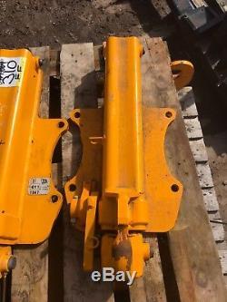 JCB Telehandler Hydraulic Pick-up Hitch (310)