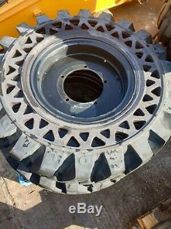 Set Of 2 Solideal Solidair 1400x24 Tyres On Jcb Telehandler 5 Stud Rims